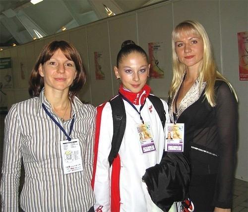 Кондакова Дарья, в центре, Чемпионта Европы, 2006